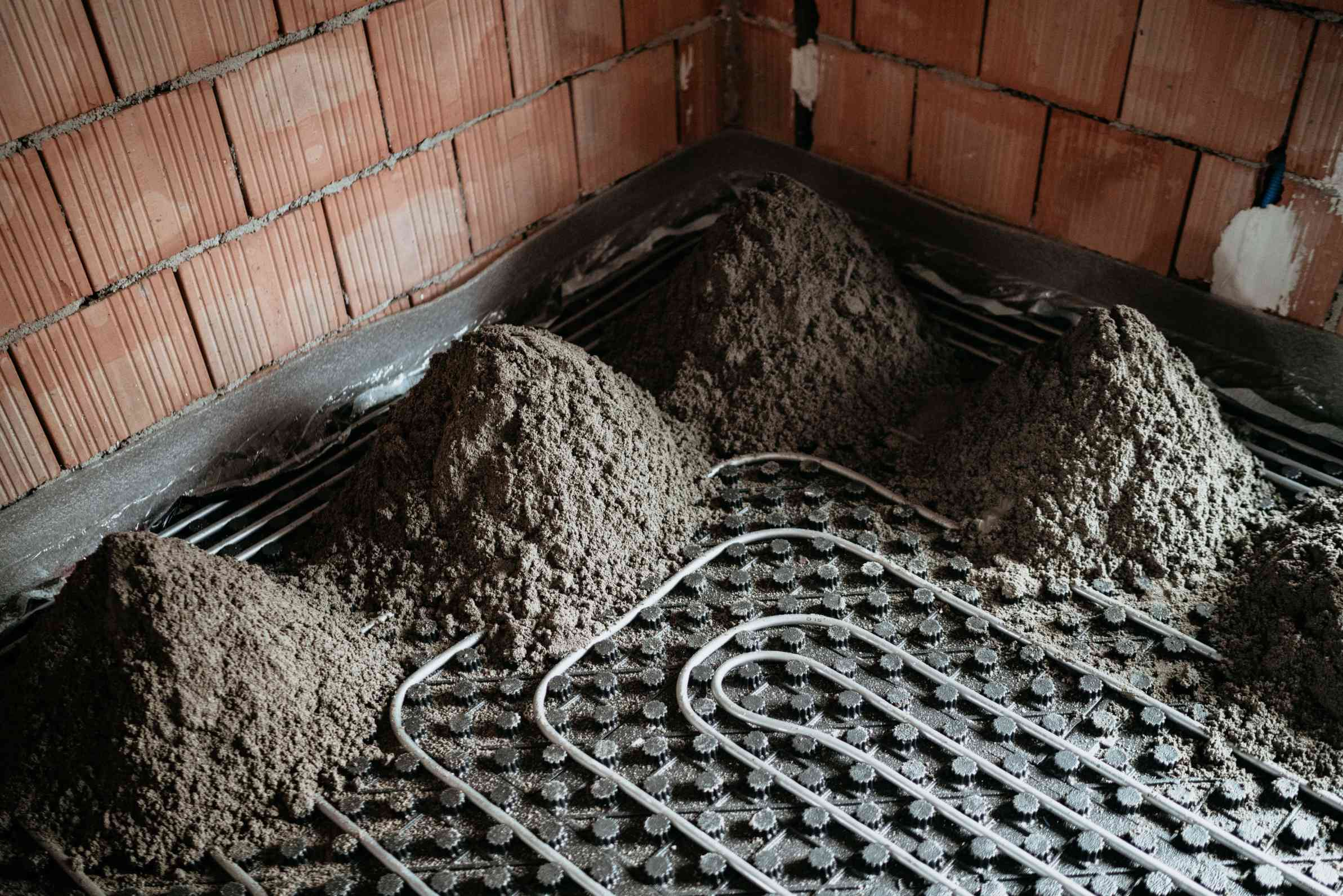 screeding-contractors-London-fast-drying-screed-London